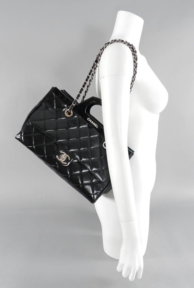 47543831d87de2 Chanel 15B Small Glazed Black CC delivery tote For Sale 6