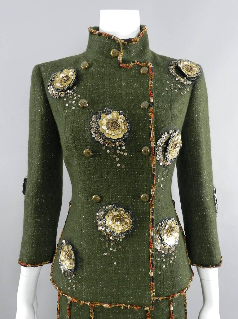 Women's Chanel Pre-Fall 2010 Shanghai Runway Green skirt Suit with Gold Lesage Camelias For Sale