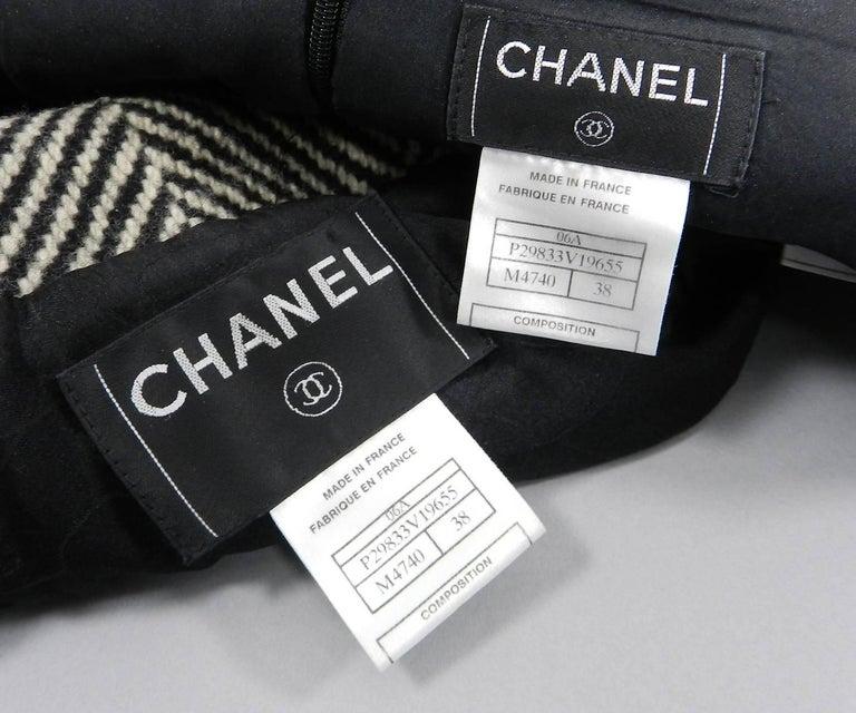 Chanel 06A Wool Herringbone Skirt Suit For Sale 4