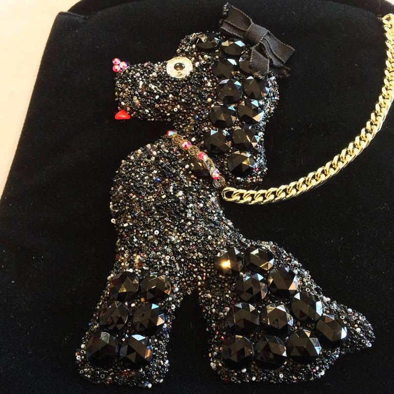 Art Deco Handbag by Soure', of New York, with black velvet body, and fantastic Poodle to front, and gilt clasp that snaps shut. Main colours and details to the Poodle body varies, and there is never 2 exactly the same. This one is predominantly