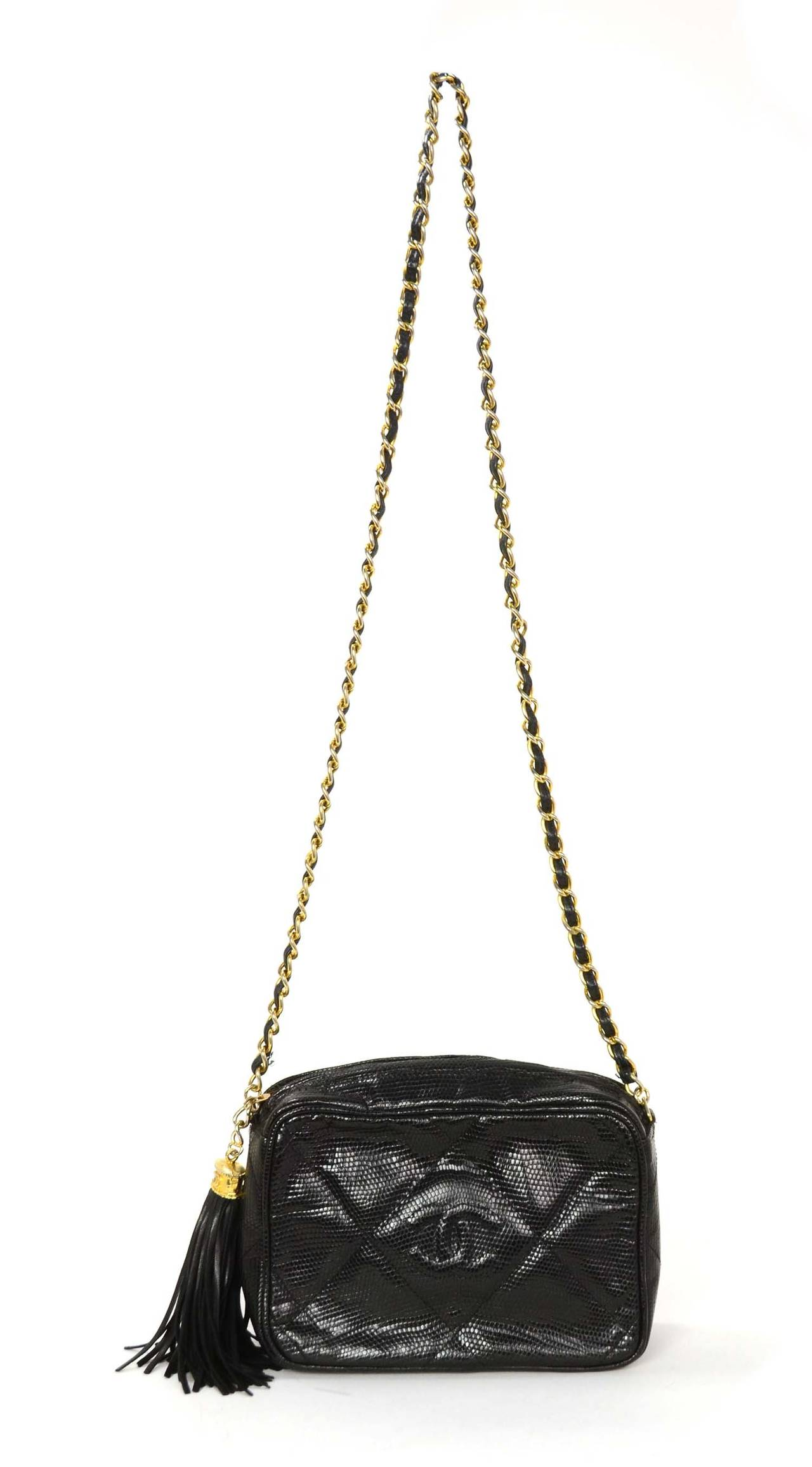 09d22e35bfaa CHANEL '80s Vintage Black Lizard Quilted Camera Bag w/ Tassel GHW For Sale 5