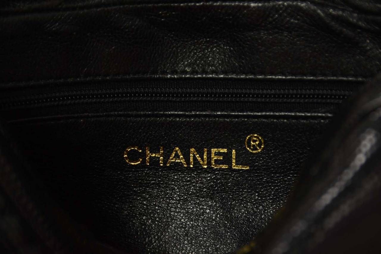 ab75ad6f4a48 CHANEL '80s Vintage Black Lizard Quilted Camera Bag w/ Tassel GHW For Sale 4