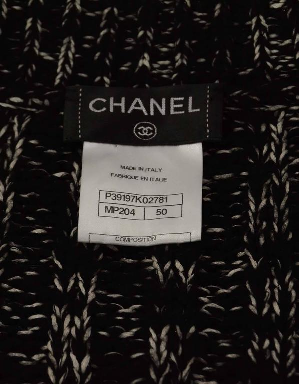 Women's Chanel Black & White Chunky Knit Cardigan & Scarf Set sz 50