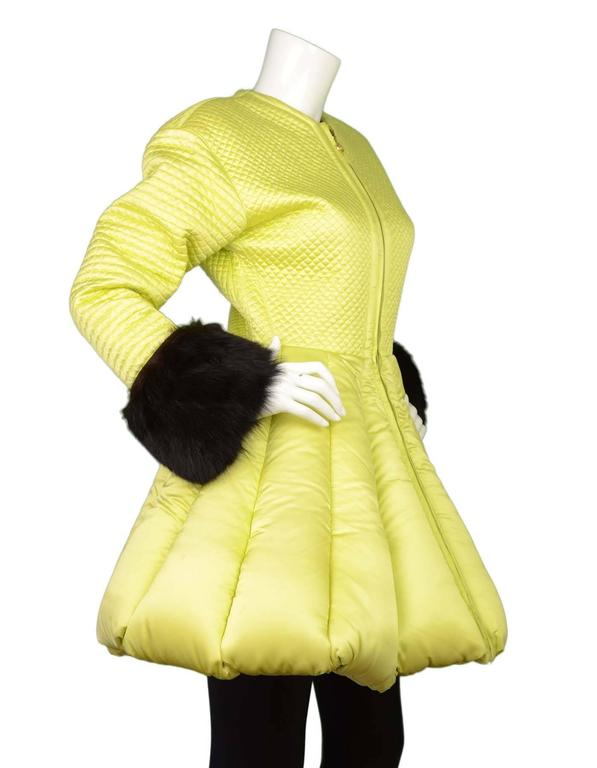 Versace Vintage Collector's Lime Green Quilted Puffer Coat sz 42 In Excellent Condition For Sale In New York, NY