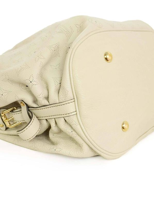 b93c358ffdd Louis Vuitton Ivory Leather Perforated Monogram Mahina XL Hobo Bag GHW In  Excellent Condition For Sale