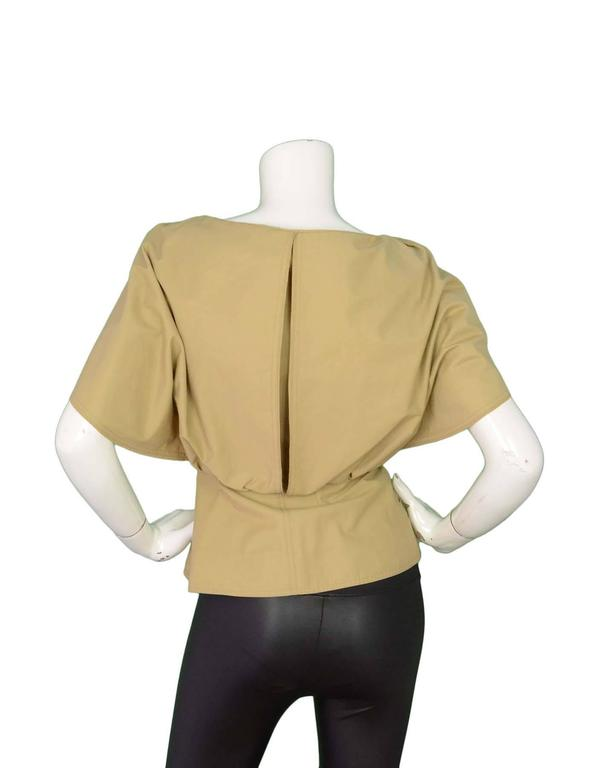 Fendi Beige Cape Jacket Sz 38 NWT rt. $1,990 In Excellent Condition For Sale In New York, NY