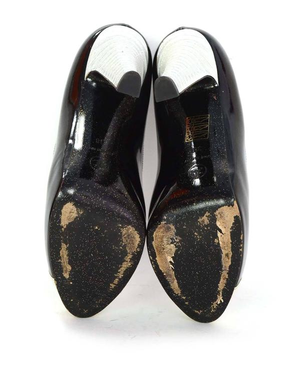 Chanel Black and White Glitter Patent Cap Toe Pumps Sz 38 For Sale 3