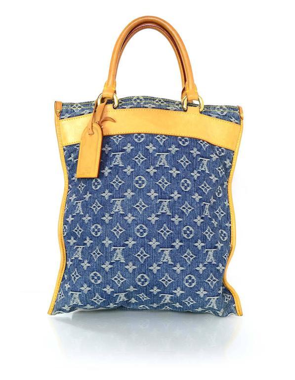 0f0759f38dad Louis Vuitton Denim Monogram Sac Plat Tote Bag For Sale at 1stdibs