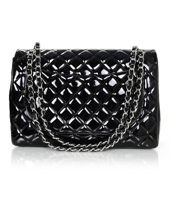 Chanel Black Patent Leather Single Flap Maxi Bag with SHW In Excellent Condition For Sale In New York, NY