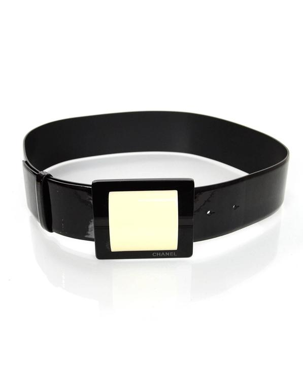 Chanel F/W '07 Runway Black Patent Leather Wide Belt sz EU75  In Excellent Condition For Sale In New York, NY