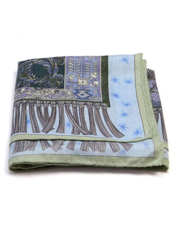 hermes blue sur un tapis volant cashmere and silk 35. Black Bedroom Furniture Sets. Home Design Ideas