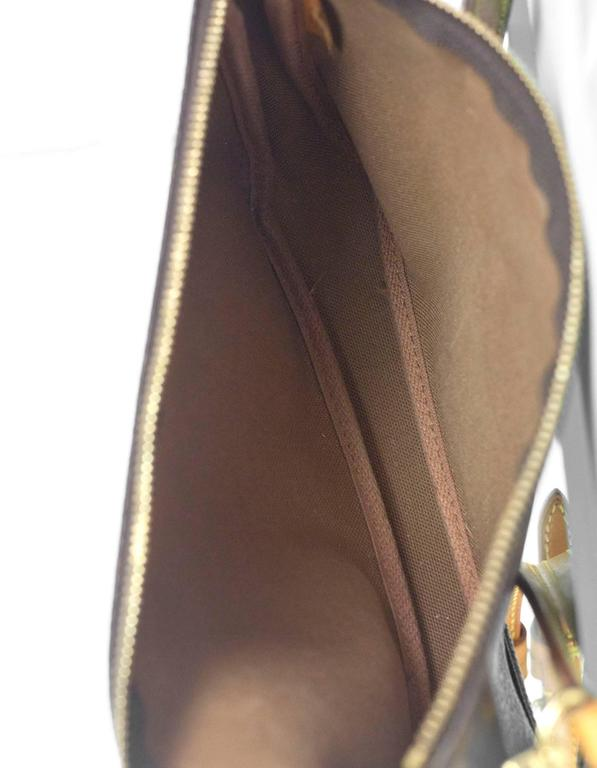 3ab7d7e64bfa Louis Vuitton Monogram Pochette Crossbody Bag For Sale at 1stdibs