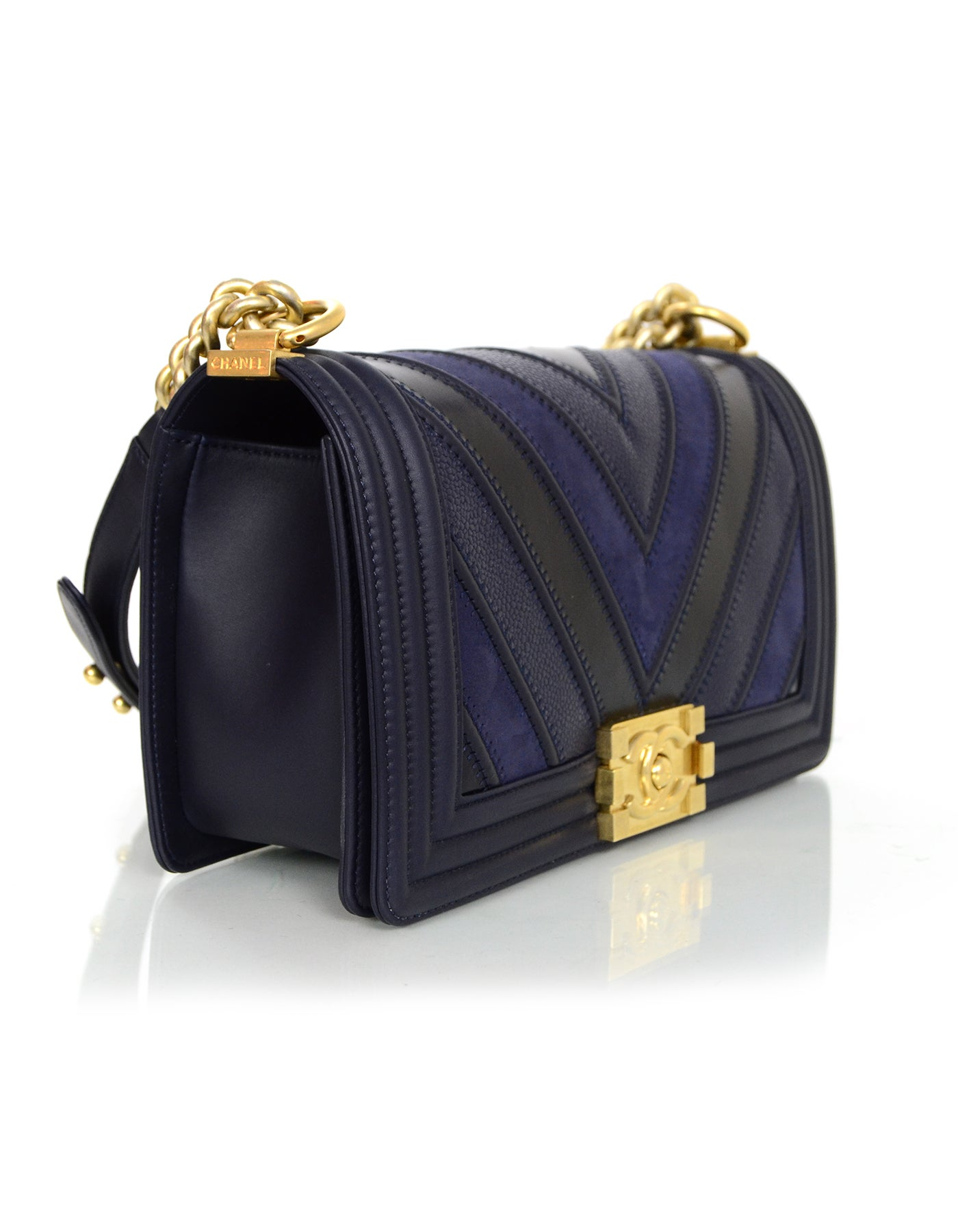 53291f036a71 Chanel 2016 Navy Mixed Leather Patchwork Chevron Old Medium Boy Bag GHW at  1stdibs