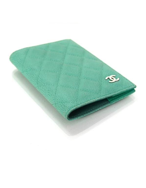 523d8c74c63a Chanel Seafoam Green Iridescent Caviar Quilted Passport Holder In Excellent  Condition For Sale In New York