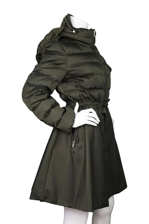 Black Miu Miu Iridescent Olive Fit Flare Puffer Coat sz IT48 rt. $2,300 For Sale