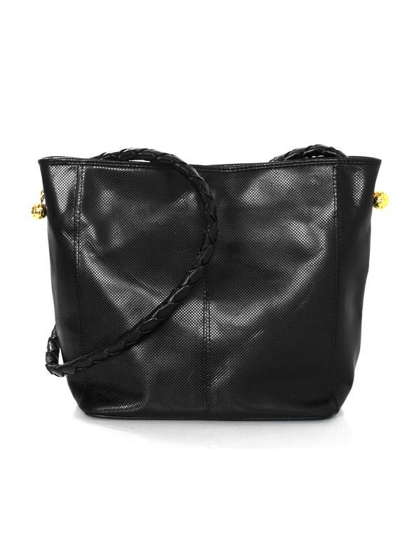 feb9e85710b2 Bottega Veneta Vintage Black Textured Leather Bucket Bag In Excellent  Condition For Sale In New York