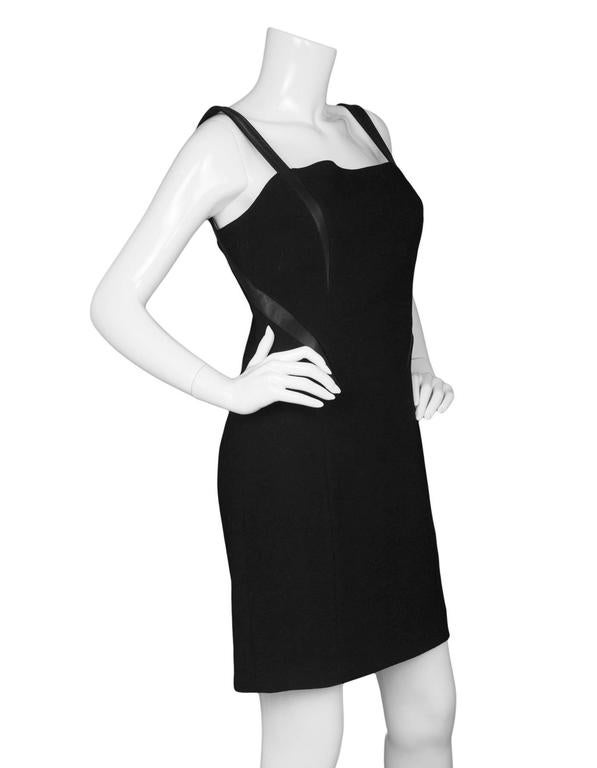 Michael Kors Black Shift Dress sz US8 In Excellent Condition For Sale In New York, NY