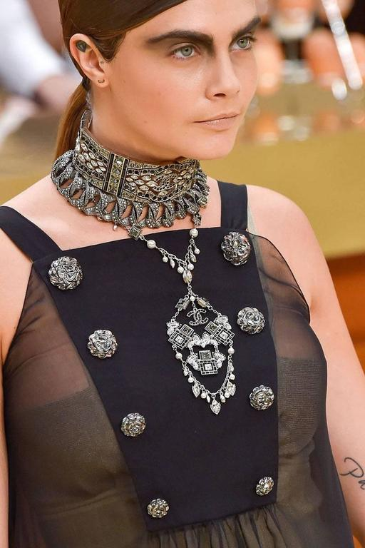 Chanel '15 A/W Runway Crystal & Faux Pearl Charm Necklace For Sale 2