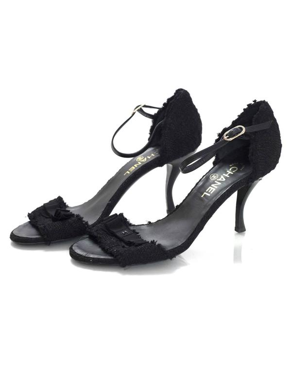 Chanel Black Boucle Sandals Sz 42 In Excellent Condition For Sale In New York, NY