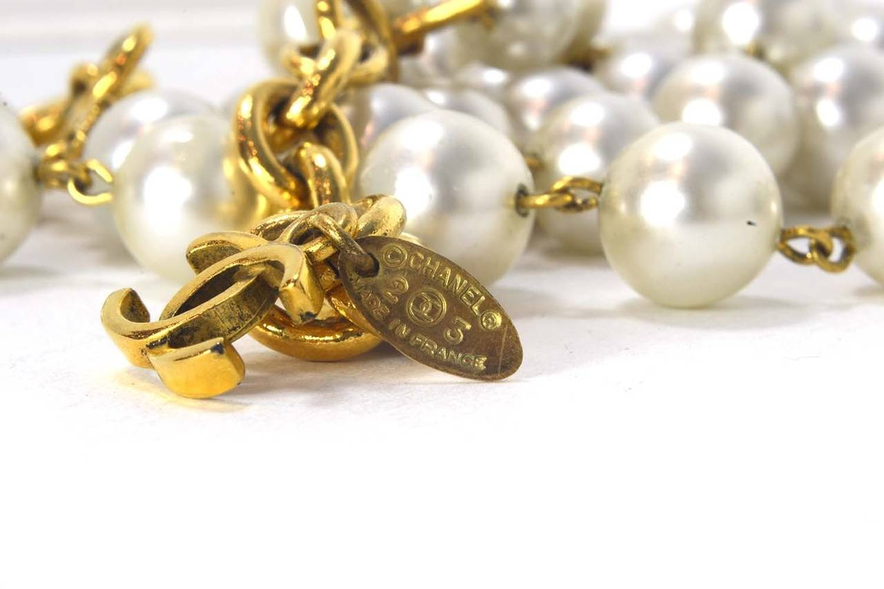 CHANEL Vintage 1986 Three Strand Pearl Choker w/Gold & Pearl Pendant 5