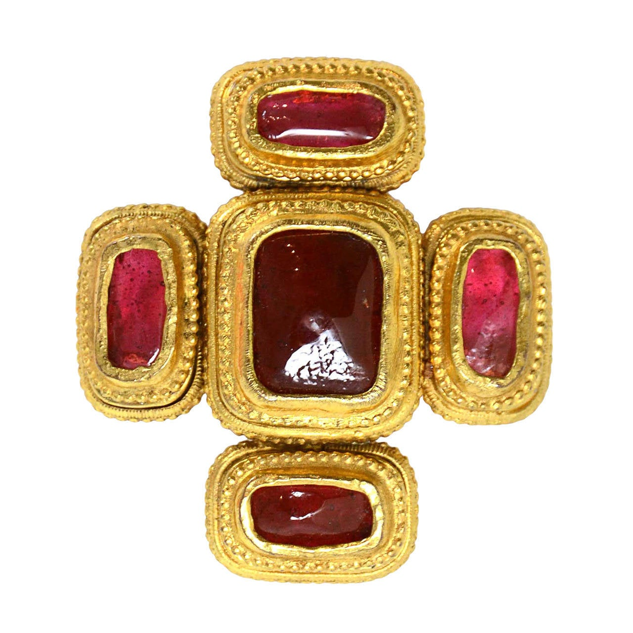 Chanel Vintage 70's80's Goldtone Pin And Red Gripoix. Burma Sapphire. Trends Engagement Rings. Gold Small Earrings. Calvin Klein Bracelet. Solitare Diamond. Edwardian Wedding Rings. Elegant Watches. Fashionable Necklace