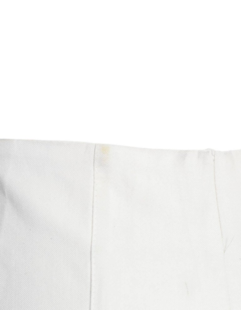 Akris White Cropped Pants Sz 8 In Good Condition For Sale In New York, NY