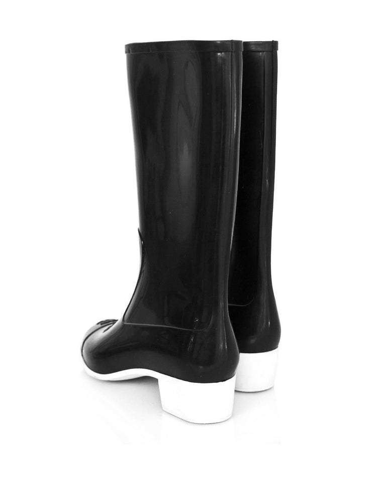 Women's Chanel Black and White Rubber CC Rain Boots Sz 40 For Sale