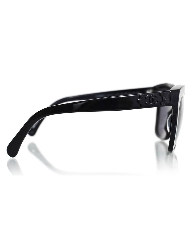 0c5705b19a013 Chanel Black Pantos Spring CC Lego Mirrored Sunglasses with Case In  Excellent Condition For Sale In