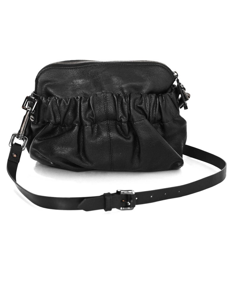 Burberry Black Leather Drawstring Crossbody Bag In Excellent Condition For New York Ny