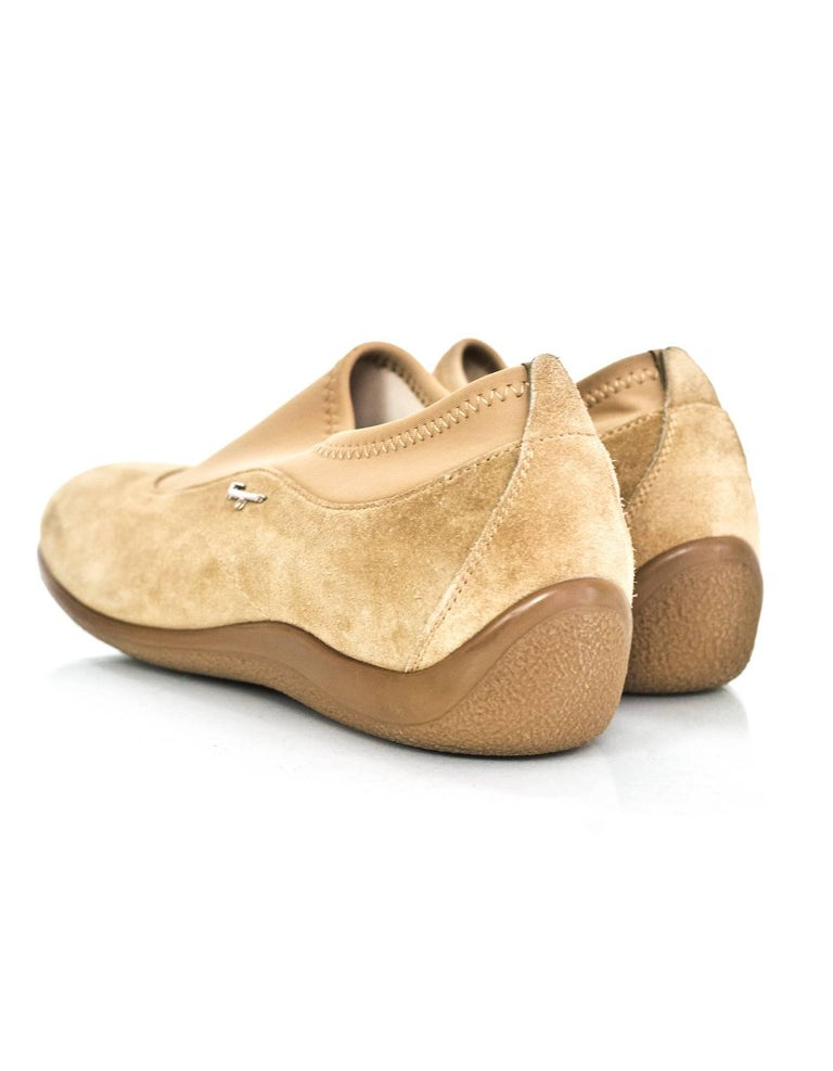 Salvatore Ferragamo Tan Suede Shoes Sz 37 In Excellent Condition For Sale In New York, NY