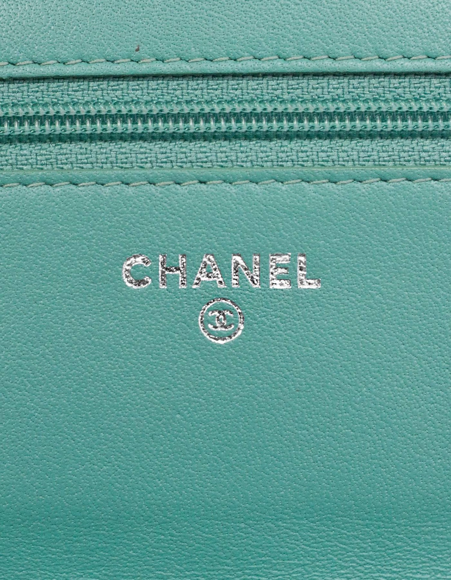 8f6cbfdc6f10 Chanel Seafoam Green Patent Leather WOC Wallet on a Chain Crossbody Bag For  Sale at 1stdibs