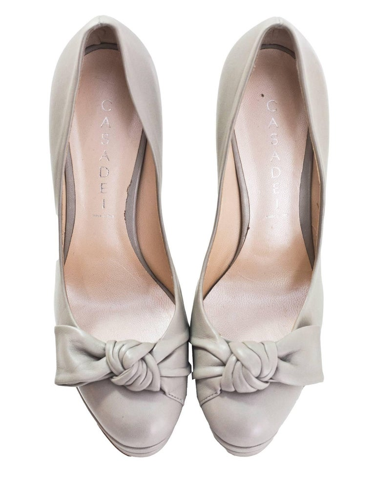 Gray Casadei Grey Leather Pumps Sz 7 For Sale
