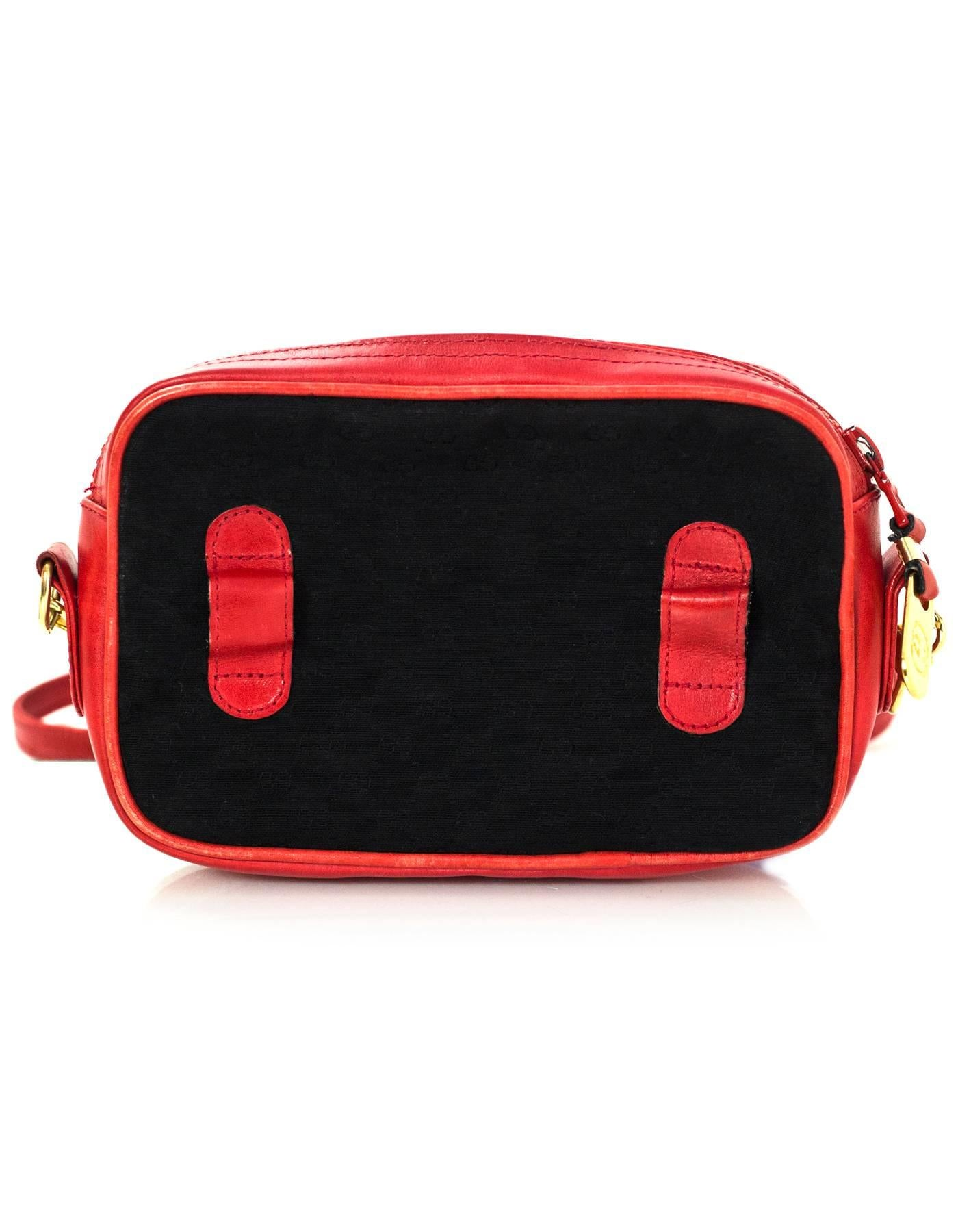 677f1a49160e Gucci Vintage Black and Red Monogram Golf Themed Crossbody/Waist Bag For  Sale at 1stdibs