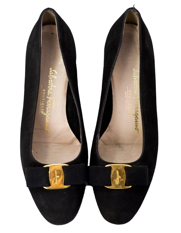 Salvatore Ferragamo Black Varina Bow Shoes Size 37.5 In Good Condition For Sale In New York, NY
