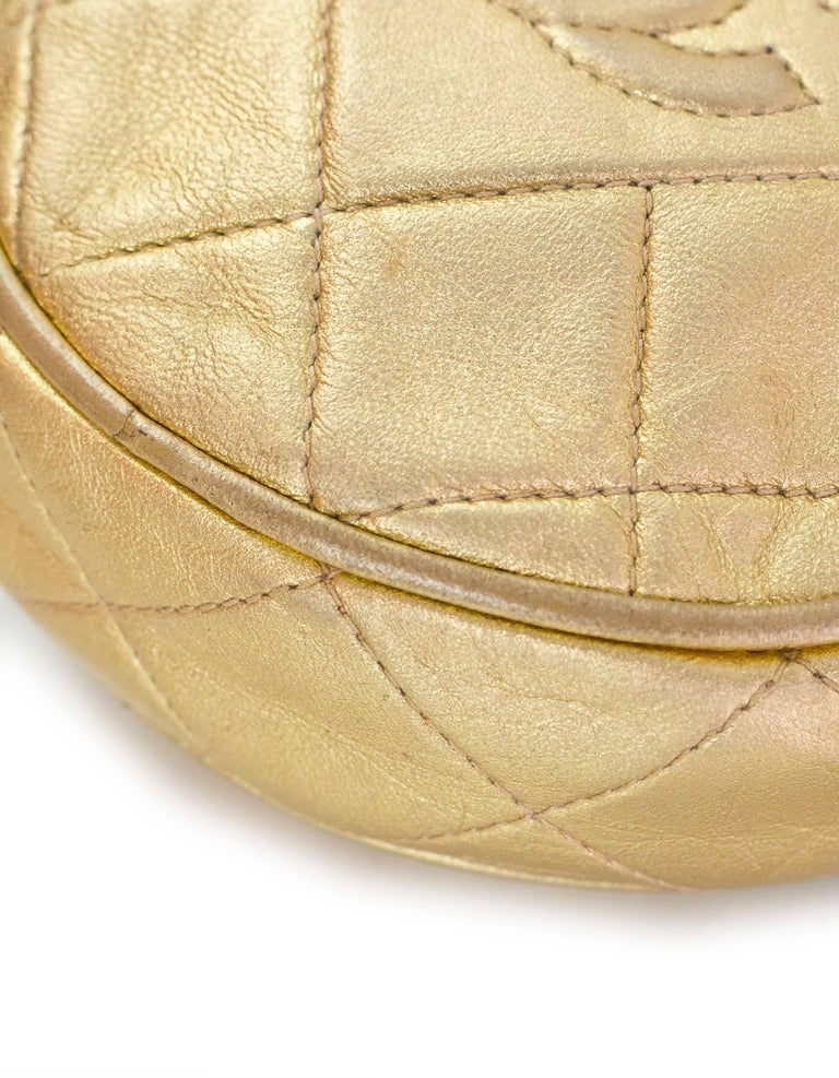 Chanel Vintage '90s Gold Lambskin Leather Quilted Circle Crossbody Bag For Sale 2