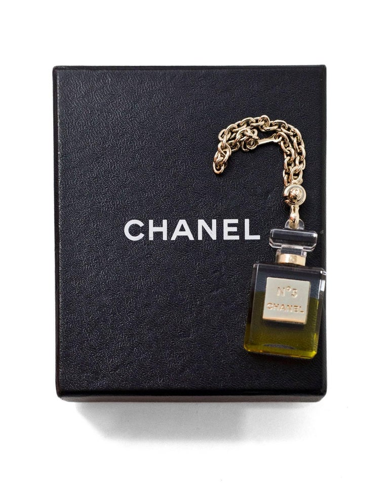 Women's or Men's Chanel No5 Perfume Bottle Keychain/Bag Charm with Box For Sale