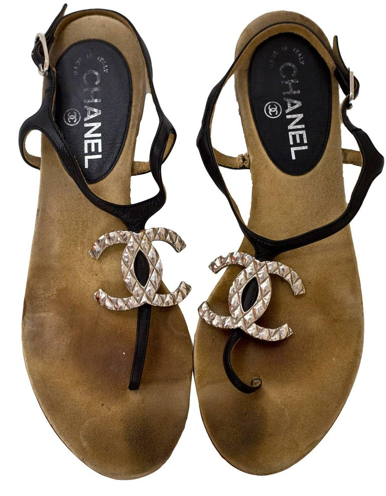 Brown Chanel Black Leather CC T-Strap Sandals Sz 40.5 For Sale