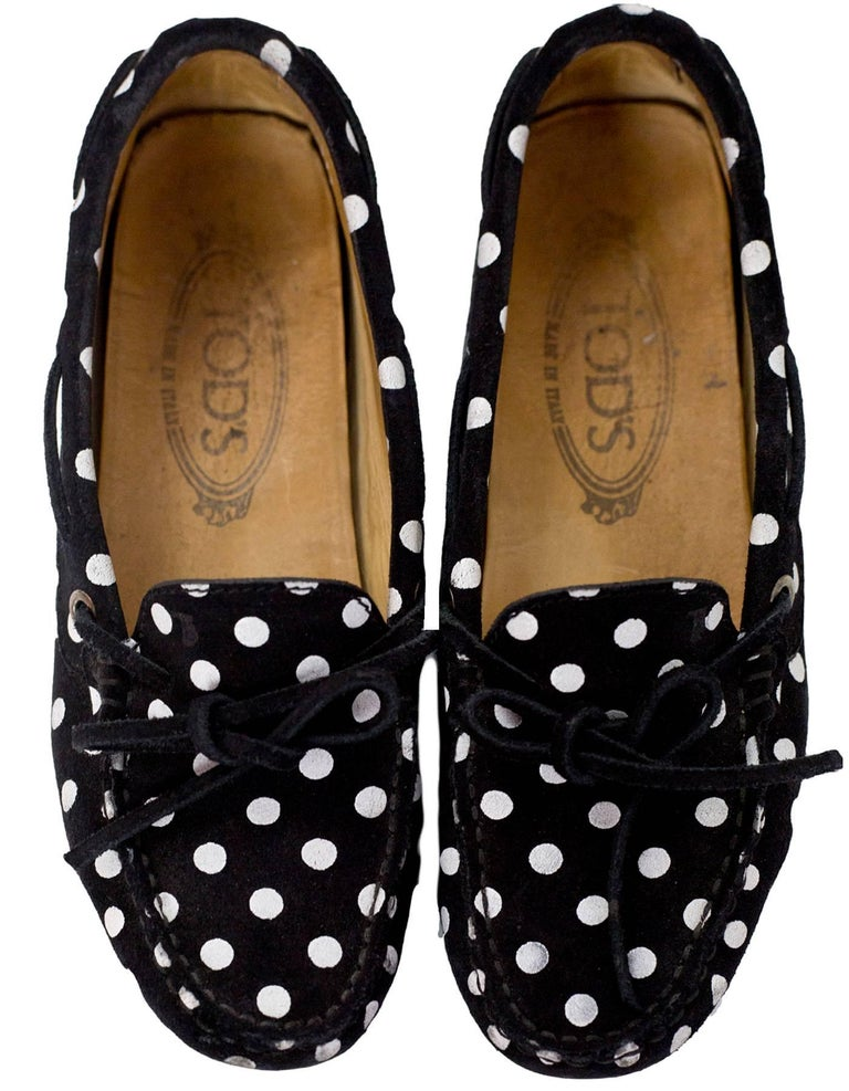 TOD's Black & White Polka Dot Driving Loafers Sz 34.5 In Good Condition For Sale In New York, NY