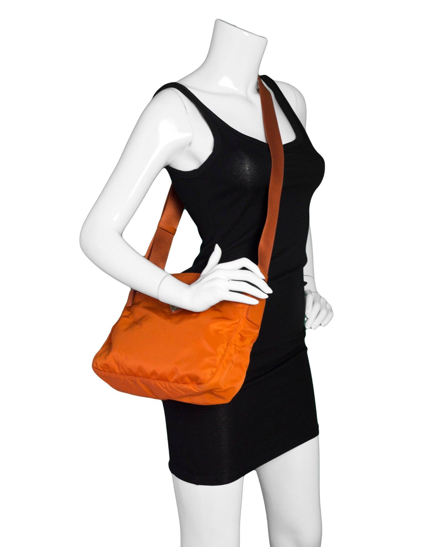b511d71157a1e7 ... czech prada orange tessuto nylon messenger crossbody bag for sale at  1stdibs 8a6c7 ad43e