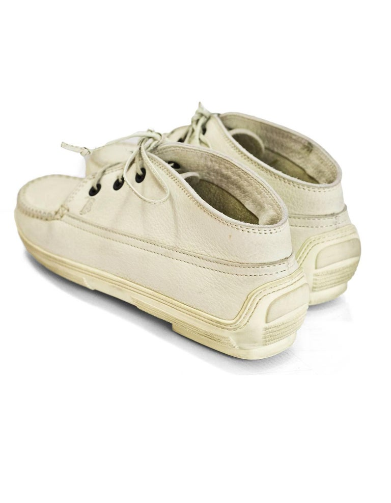 TOD's Cream Leather Lace-Up Loafers Sz 37.5 with DB In Excellent Condition For Sale In New York, NY