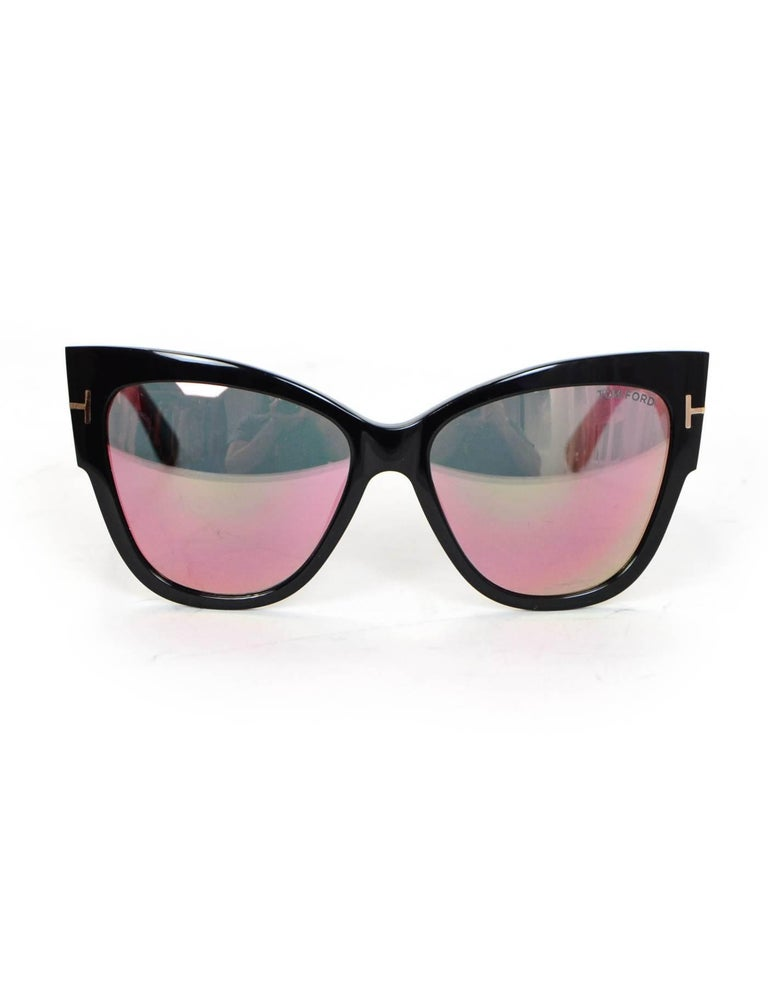 Tom Ford Black Anoushka Cat-Eye Mirrored Lens Sunglasses with Case rt. $445 In Excellent Condition For Sale In New York, NY