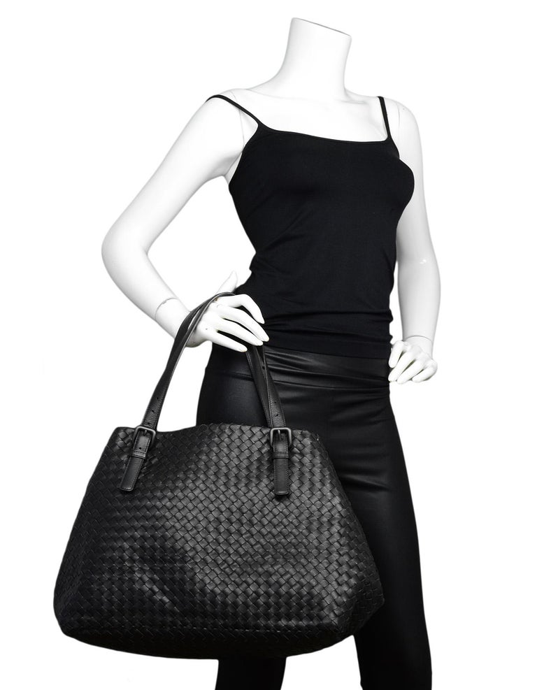 3406d7f1524d Bottega Veneta Black Woven Intrecciato Leather Large Cesta Tote Bag ...