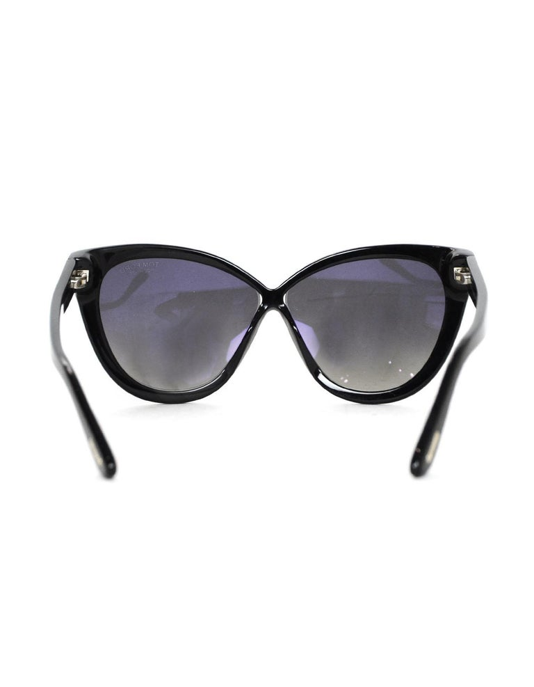 96edccd83b920 Women s Tom Ford Arabella Black Cat Eye Sunglasses With Polarized Lenses  For Sale
