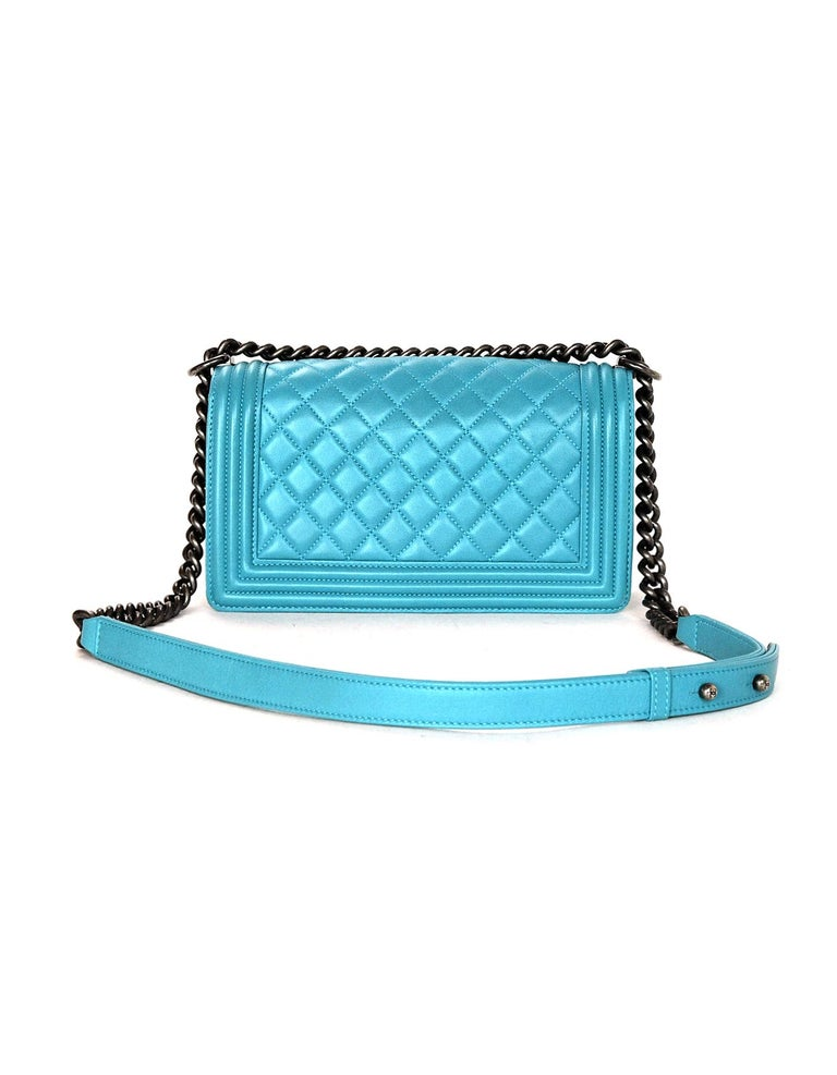 be6eeb9b8518 Chanel Turquoise Blue Lambskin Leather Quilted Medium Boy Flap Bag In  Excellent Condition For Sale In