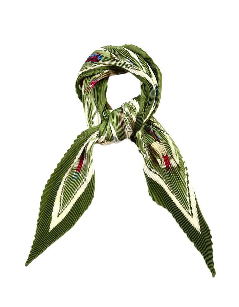 Hermes Green/Red/White Cavaliers Arabes Pleated Plisse Pleaty Silk Scarf  Color: Green, red, white Materials: 100% silk Overall Condition: Excellent pre-owned condition with exception of small spot   Measurements:  27.5
