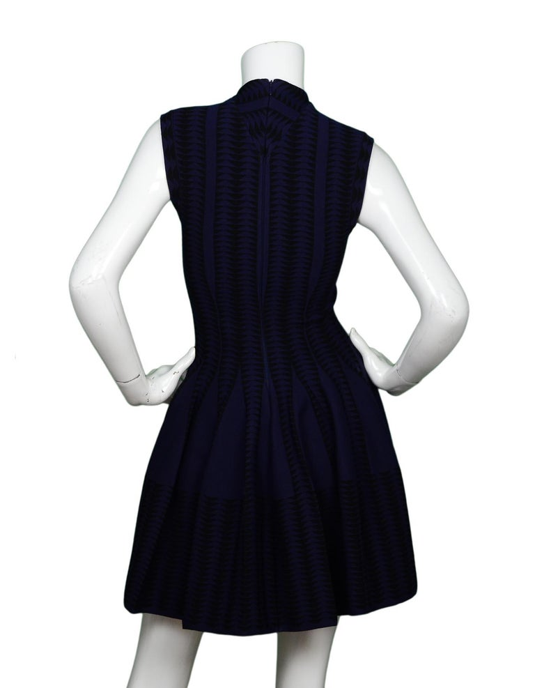 Alaia Navy/Black V-Neck Fit & Flare Cap Sleeve Dress Sz 38 In Excellent Condition For Sale In New York, NY