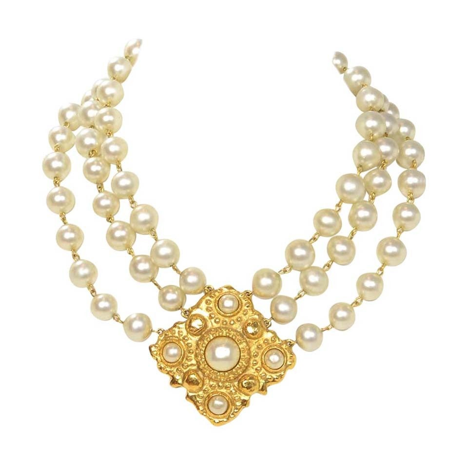 CHANEL Vintage 1986 Three Strand Pearl Choker w/Gold & Pearl Pendant 1