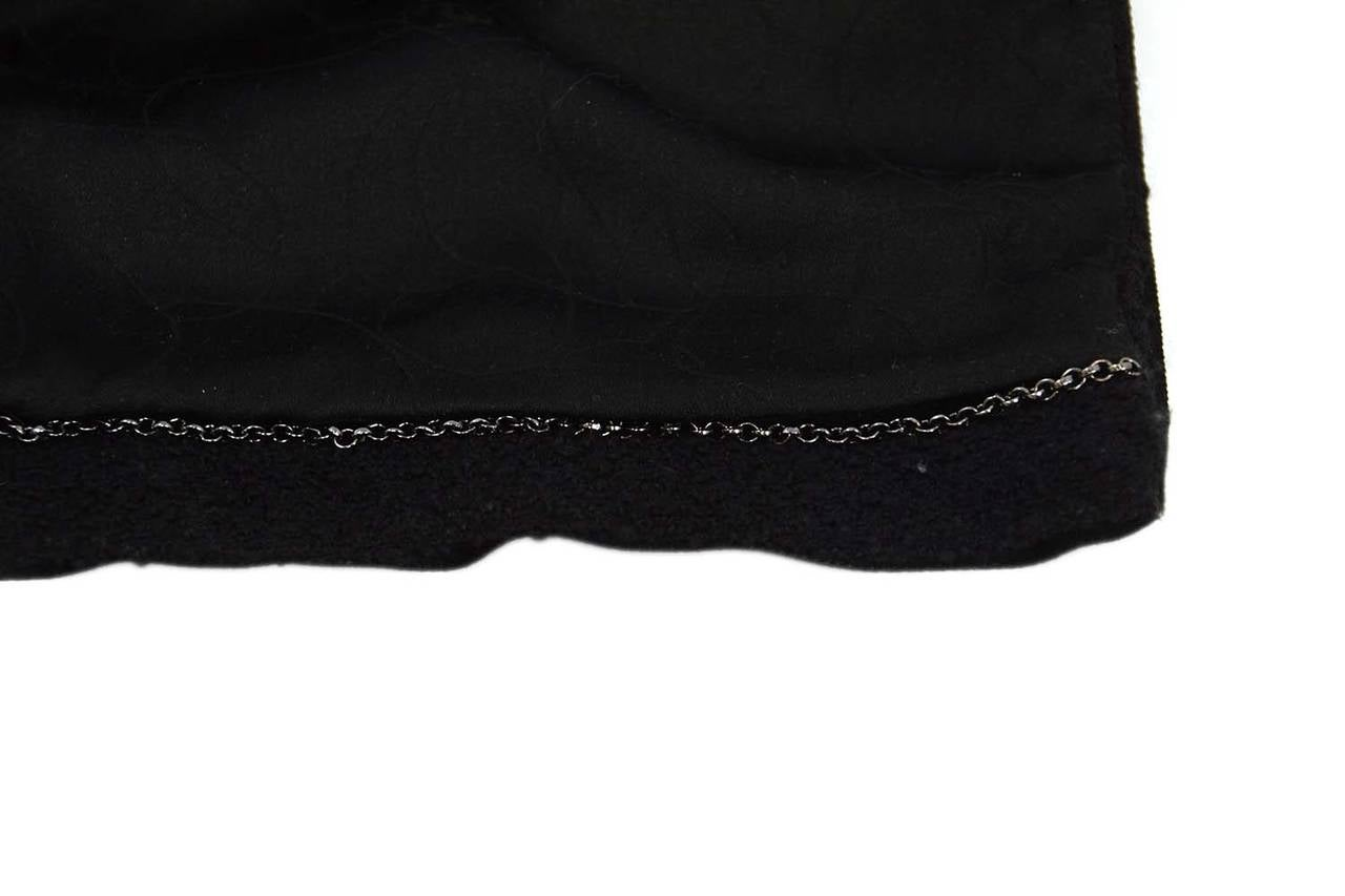 CHANEL 2003 Black Boucle Cropped Jacket w/Snap Detailing sz 40 5