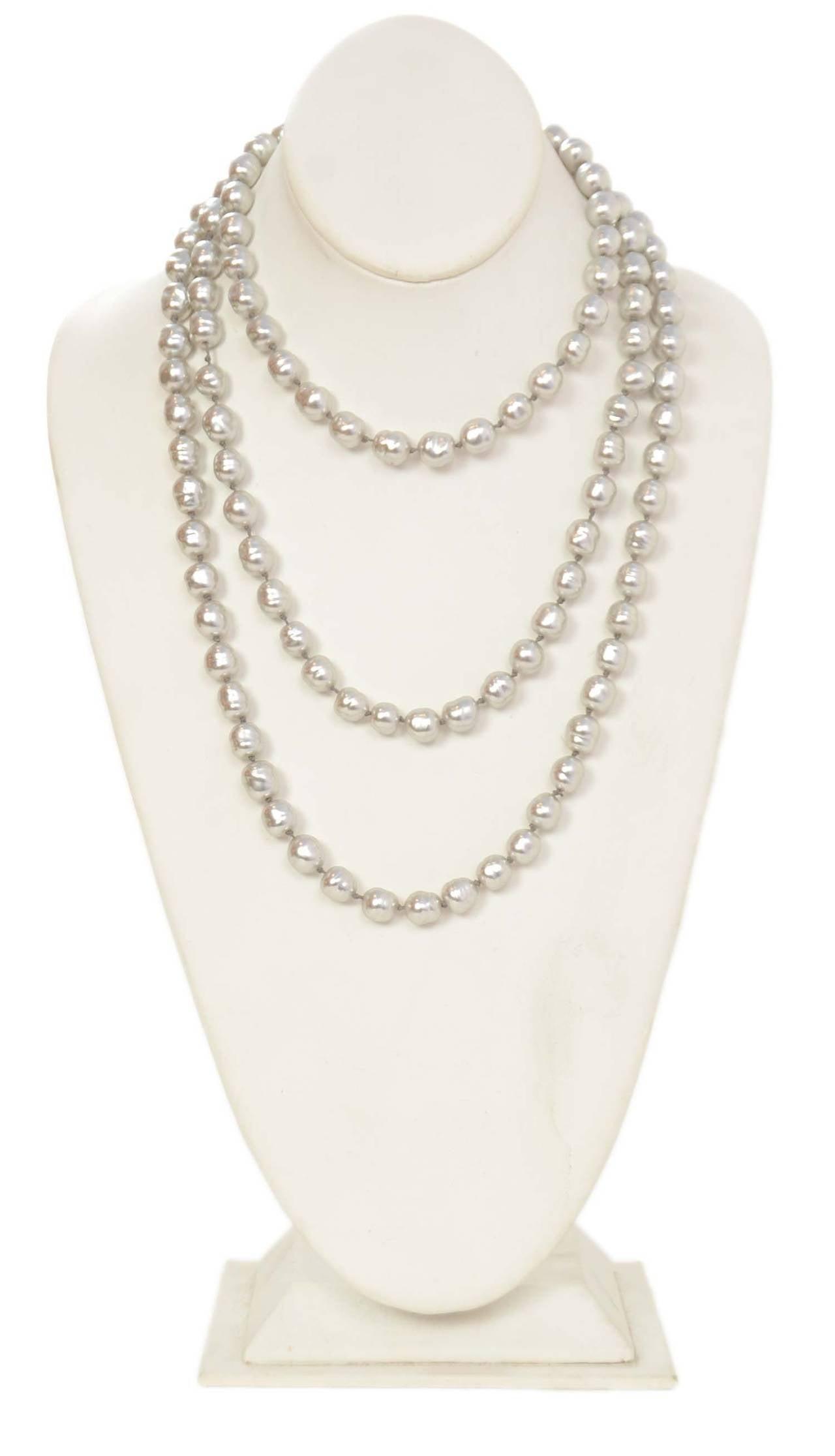 """CHANEL Vintage 1980's Grey 60"""" Pearl Necklace 2"""
