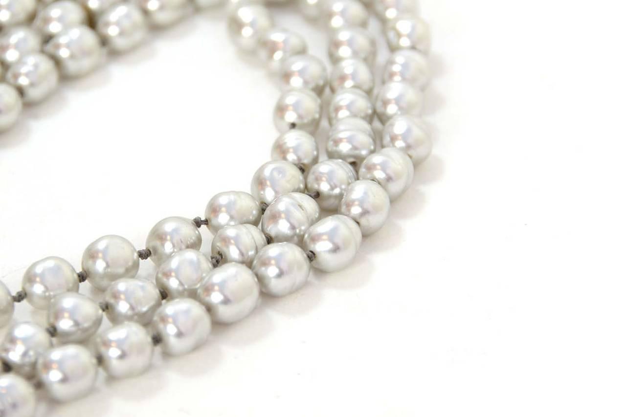 """CHANEL Vintage 1980's Grey 60"""" Pearl Necklace 4"""
